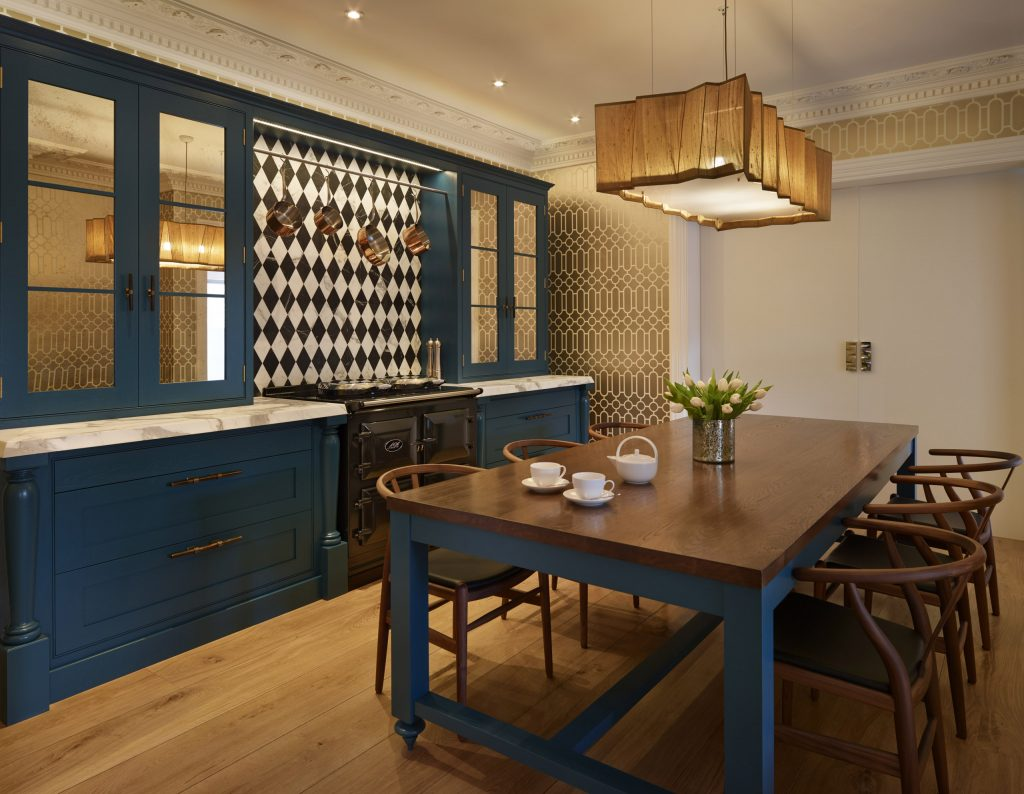 Chamber Furniture Traditional handmade Shaker Kitchen with AGA and dining table