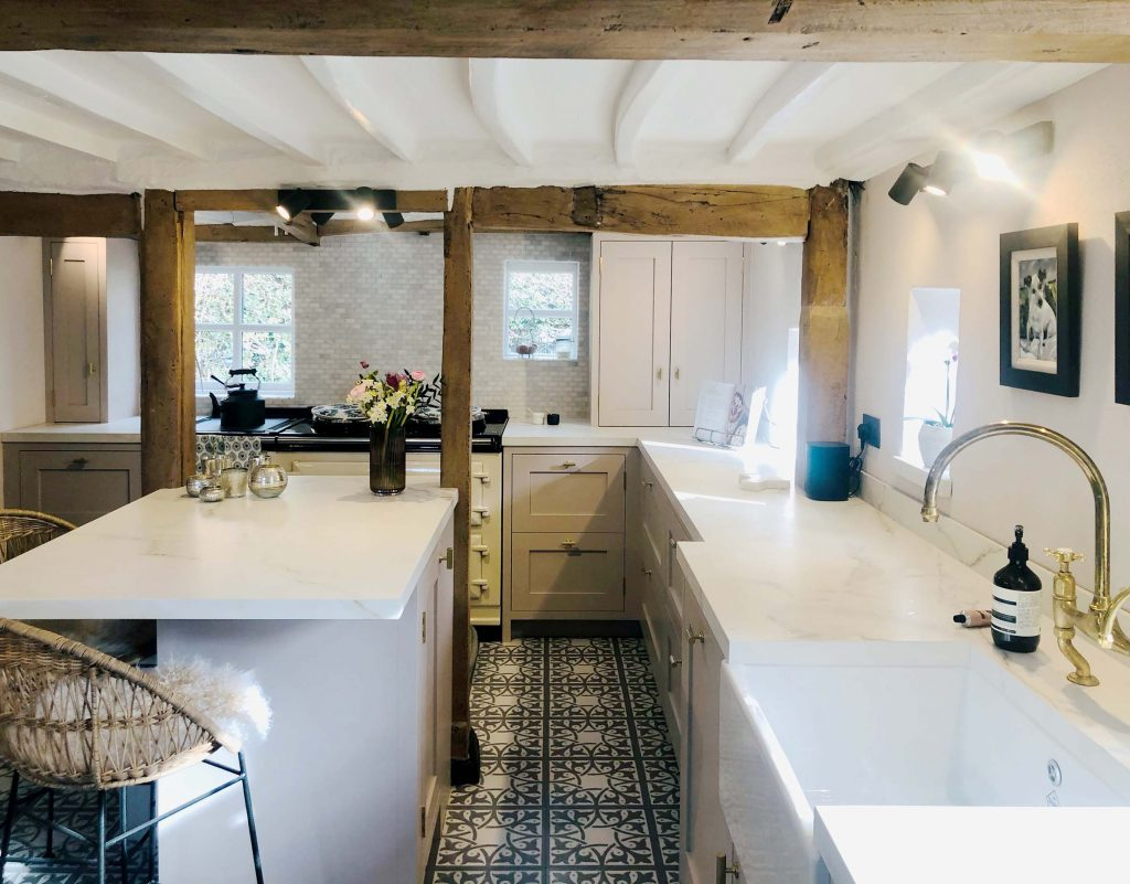 Chamber Furniture traditional shaker style cottage kitchen with ceramic worktops