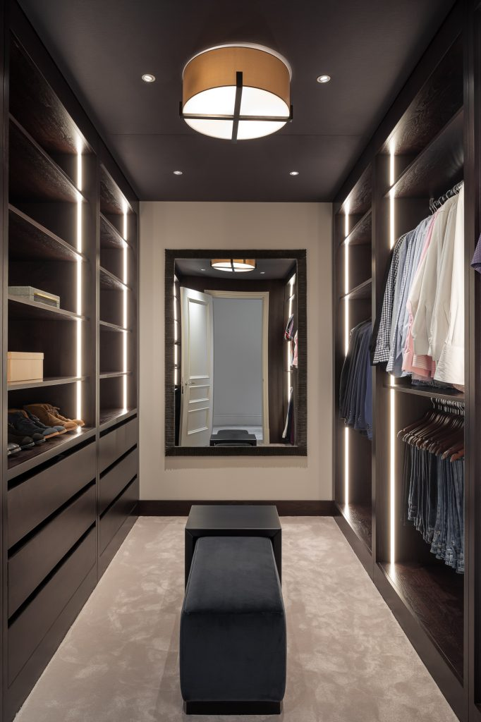 Walk in dressing room, finished in Stained walnut